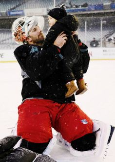 Henrik Lundqvist, New York Rangers (wintermonthnovelty / Tumblr)