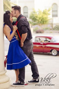 57 Trendy Vintage Photoshoot Ideas Couples Pin Up Rockabilly Couple, Mode Rockabilly, Rockabilly Wedding, Rockabilly Fashion, Car Engagement Photos, Engagement Couple, Engagement Shoots, Pinup Photoshoot, Photoshoot Vintage