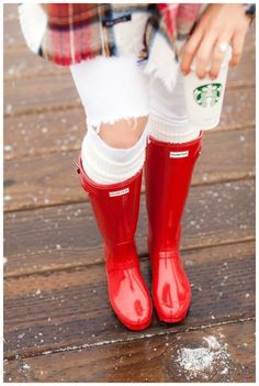 3 Tips For Looking Stylish In Rain Boots