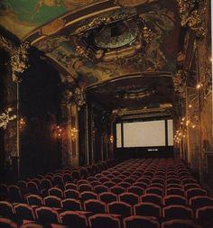 El cine Etoile-Pagode. Un lugar tan bonito por fuera como por dentro...