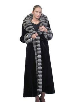 Black Reversible Chinchilla Trimmed Mink Coat Size 8 (M) 60 Fashion, Fashion Over 50, Curvy Fashion, Plus Size Fashion, Winter Fashion, Luxury Fashion, Fashion Ideas, Fashion Inspiration, Date Outfits