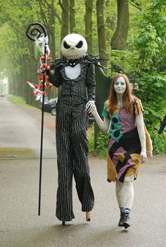 Nightmare Before Christmas: Jack and Sally. BEST USE OF STILTS EVER. #halloween #costume #stilts