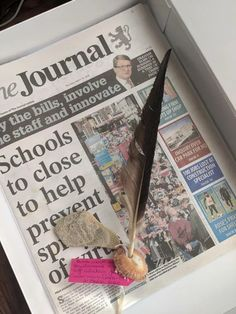 Tutorial: how to make a time capsule for kids during Coronavirus Making history, making memories. Family isolation activity with children Local Paper, Bin Bag, Nature Activities, 19 Kids, Time Photo, Time Capsule, Making Memories, Bird Feeders, Messy Play