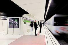 02-Drassanes-Station-Barcelona-Spain.jpg (1200×800)