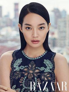 Valentino Darling Shin Min Ah Covers Harper's Bazaar Korea's February 2015 Edition Asian Actors, Korean Actresses, Korean Actors, Korean Star, Korean Girl, Korean Beauty, Asian Beauty, Beautiful People, Beautiful Women