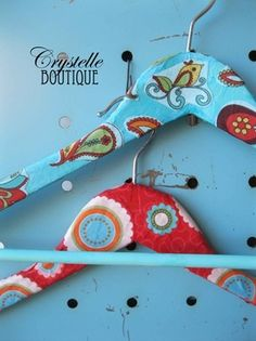 CrystelleBoutique Tutorial:  How to Mod Podge Hangers with Fabric