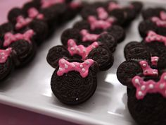 Minnie Mouse Cookie - Simple enough and can do it ahead of time