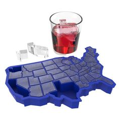 <p>No matter what state you're in, it's cool to be an American. So whether you're drunk, sober, or in New Hampshire, here are 50 ways to chill your drink the old fashioned way. Who said geography had to be boring?  Durable Silicone, Makes 50 Cubes, Dishwasher safe</p>