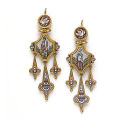 Soñando en que algún día tendré unos pendientes así...  Earrings | V&A Search the Collections