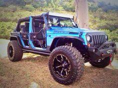 Sexy Baja Blue Jeep. pic.twitter.com/kffNzpSgxq #jeepedin