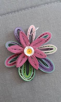 A Quilling Design Pendent - by: Antonia Quilling Work, Quilling Flowers, Paper Quilling, Quilling Earrings, Paper Crafts, Diy Crafts, Paper Strips, Quilling Designs, Card Making
