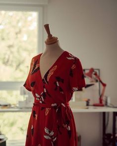 Patterns to sew his blouses Sézane - MiourAmour Fashion Tag, Diy Fashion, Fashion Outfits, Couture Sewing, Dressmaking, Diy Clothes, Kids Outfits, Wrap Dress, Patterns