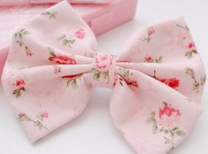Pretty Pink floral bow❤️