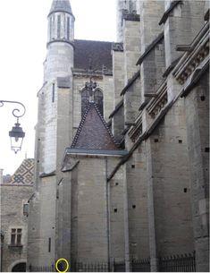 L'Église Notre-Dame à Dijon, avec la statue de chouette à caresser, elle est toute petite ! Statue, Sweet, Owls, Children, Travel, Candy, Sculptures, Sculpture