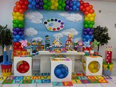 Dicas:  Use elementos que iludem a tintas, pintura e o colorido do arco-íris; Decore com balões coloridos; Deixe um cantinho ...