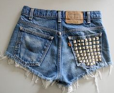 can I have these studded shorts NOT cut like kelly kapowski from saved by the bell is wearing them? normal cut shorts please. Hipster Fashion, Diy Fashion, Ideias Fashion, Fashion Beauty, Fashion Shorts, Rock Fashion, Funky Fashion, Fashion Clothes, Spring Fashion