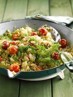 Schnelle Quinoa-Sellerie-Pfanne | http://eatsmarter.de/rezepte/quinoa-sellerie-pfanne
