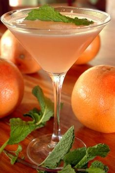 14 Slimmed-Down Sips - grapefruit martini mint picture
