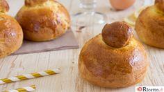 Le brioches col tuppo, prodotti dolciari tipici della regione Sicilia. Scopri la nostra ricetta per preparare questi dolci morbidissimi secondo tradizione.