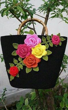 Crochet Clutch, Crochet Handbags, Baby Knitting Patterns, Crochet Patterns, Red Umbrella, Hand Embroidery Art, Floral Bags, Knitted Bags, Crochet Accessories