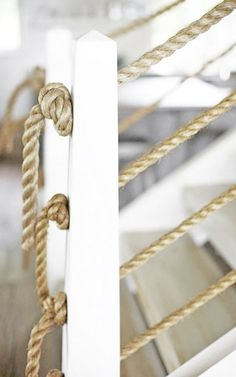 knotted rope ballustrade for barn deck? Rope Fence, Rope Railing, Deck Railings, Deck Design, House Design, Lake Decor, Diy Deck, Cottage Style, Stairs