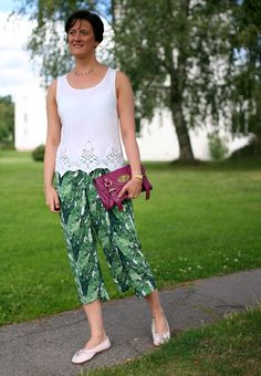 Tall Girl's Fashion // Green culottes and white lace top by @tallgirlfshn