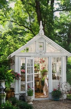 This She Shed elevates greenhouse gardening and potting to an almost-religious experience. (Potting Shed Plans) Garden Oasis, Garden Cottage, Home And Garden, Terrace Garden, Garden Path, Gravel Garden, Cottage House, Shade Garden, Herb Garden