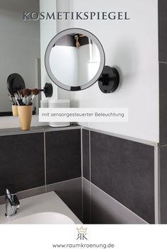 Kosmetikspiegel mit Akku I Beleuchteter Kosmetikspiegel mit Sensortechnologie   #kosmetikspiegel #badezimmer #einrichtungsberatung Hygge, Mirror, Bathroom, Furniture, Home Decor, Blog, Lighted Vanity Mirror, White Interiors, Round Bathroom Mirror