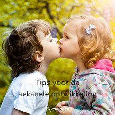 Tips voor de seksuele ontwikkeling en opvoeding voor kinderen. Lees per leeftijdsfase (baby, peuter, kleuter, basisschoolkind en puber) over de seksuele ontwikkeling en wat je kan doen voor seksuele voorlichting.