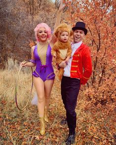 The Greatest Showman Couples costume Anne Wheeler and Phillip Carlyle The Greatest Showman Couples costume Anne Wheeler and Phillip Carlyle Chelsea Lavold Halloween The Greatest Showman Couples costume Anne nbsp hellip Premier Halloween, Diy Halloween, Couples Halloween, Funny Couple Halloween Costumes, Homemade Halloween Costumes, Halloween Outfits, Diy Costumes, Zombie Costumes, Group Costumes