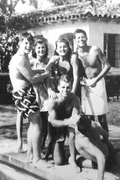 The Kennedy's having fun by the pool . ♡❤❤❤♡❤♡❤❤❤♡ http://en.wikipedia.org/wiki/Kennedy_family