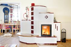 Kachelofen Landhaus Produkte - Kachel & Kaminöfen vom Profi Home Decor, Wood Burning Fireplaces, Stoves, Contemporary Fireplaces, Traditional Design, Fireplace Heater, Conservatory, Cottage Chic, Homemade Home Decor