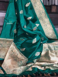 Pure Katan Silk Banarasi - Green Antique Zari – Panache-The Desi Creations Silk Saree Banarasi, Banaras Sarees, Indian Silk Sarees, Soft Silk Sarees, Indian Beauty Saree, Red Saree Wedding, Wedding Dresses Men Indian, Celebrity Fashion Outfits, Celebrities Fashion