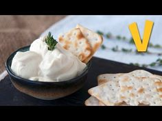 If you thought that as a vegan having a killer cream cheese wasn't possible, then you might find this post to be not only interesting, but also the answer to all your prayers. We will turn one simp… Vegan Recepies, Raw Vegan Recipes, Vegan Foods, Healthy Recipes, Healthy Yogurt, Healthy Menu, Healthy Eating, Vegeterian Dishes, Best Time To Eat