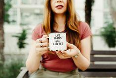 Pune aceste ingrediente în cafea! Bea-o și vei avea o siluetă de INVIDIAT! | DCNews Cappuccino Recipe, Cappuccino Maker, Cheap Coffee Maker, French Women Style, National Coffee Day, Coffee Uses, Coffee Is Life, Blurred Background, Pretty Patterns