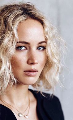 Jennifer Lawrence ♥                                                       …