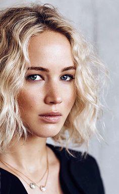 Jennifer Lawrence ♥                                                       …