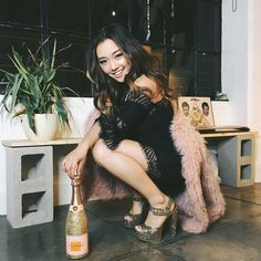 «My outfit inspiration tonight was this champagne bottle. Thanks @colourpopcosmetics for the perfect gift to ring in 2016! Wishing all of you an amazing…»