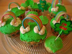 St. Patrick's Day Rainbow Cupcakes!