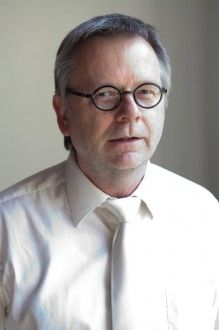 Prof. Dr. Martin Gertler 2 Professor, Vegan, Portrait, Friends, Teachers, Teacher, Amigos, Headshot Photography, Portrait Paintings