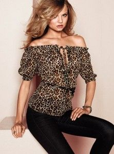 Davison Davison Friedman or a dressy blouse with pants and heels? Animal Print Outfits, Animal Print Fashion, Fashion Prints, Animal Prints, Moda Outfits, Cute Outfits, Blusas Animal Print, Look Fashion, Womens Fashion