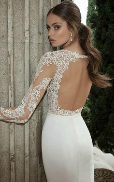Pura sensualidad y elegancia en la nueva colección de vestidos de novia de la firma Berta-Elite Design.