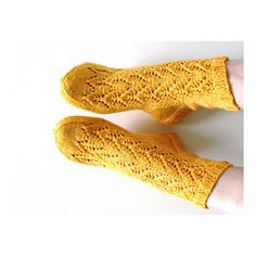 Ravelry: Tähkät pattern by Niina Laitinen Fingerless Gloves, Arm Warmers, Ravelry, Socks, Pattern, Design, Fashion, Knitting Socks, Fingerless Mitts