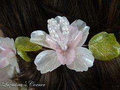 Romantica y Delicada. Flor de escamas de pescado por LuzminasCorner
