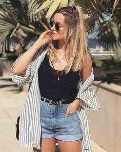 Short mom jeans regata preta e camisa listrada. - Jean Shorts - Ideas of Jean Shorts Jean Short Outfits, Casual Outfits, Cute Outfits, Fashion Outfits, Short Jeans, Fashion Ideas, Outfits For Girls, Fashion Clothes, Parisian Fashion