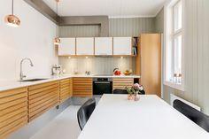 Unoform kjøkken Kitchen Bar Design, Kitchen Dining, Architecture Design, Divider, Table, Room, Furniture, Home Decor, Bedroom