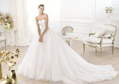 Pronovias presents the Layna wedding dress. Glamour 2014.   Pronovias