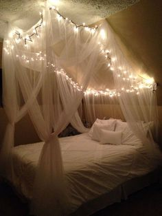 How to Make Romantic Bedroom with Canopy Beds - There is something romantic about a bedroom with a canopy bed. Tragically, when individuals attempt to make a romantic bedroom with canopy beds, the m. Small Bedroom Hacks, Cute Bedroom Ideas, Room Ideas Bedroom, Bedroom Layouts, Bed Room, Ikea Bedroom, Bedroom Apartment, Cosy Bedroom, Bedroom Curtains