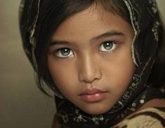 by Gansforever Osman - Babies & Children Child Portraits Kids Around The World, Beauty Around The World, People Of The World, Precious Children, Beautiful Children, Beautiful Babies, Beautiful Eyes, Beautiful People, Most Beautiful