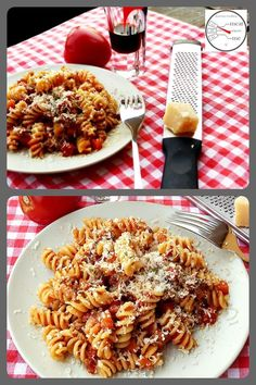 Ragù alla bolognese - authentisches italienisches Rezept - meat meets me Tasty, Yummy Food, Risotto, Pasta Salad, Food And Drink, Diet, Health, Ethnic Recipes, Gnocchi